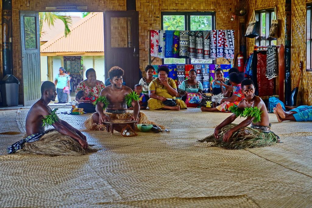 Фіджі: церемонії в селі Накаву