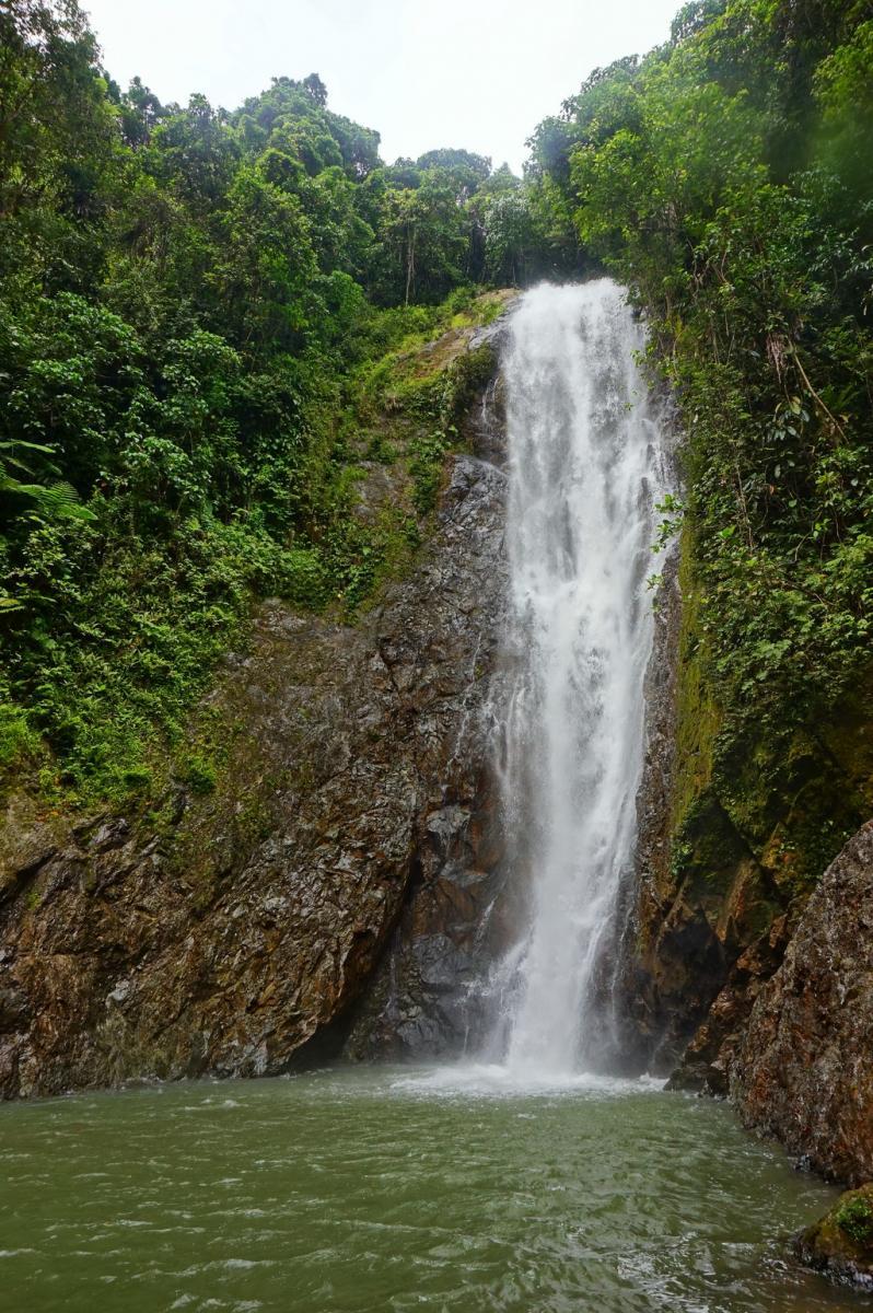Фіджі: водоспад на річці Навуа
