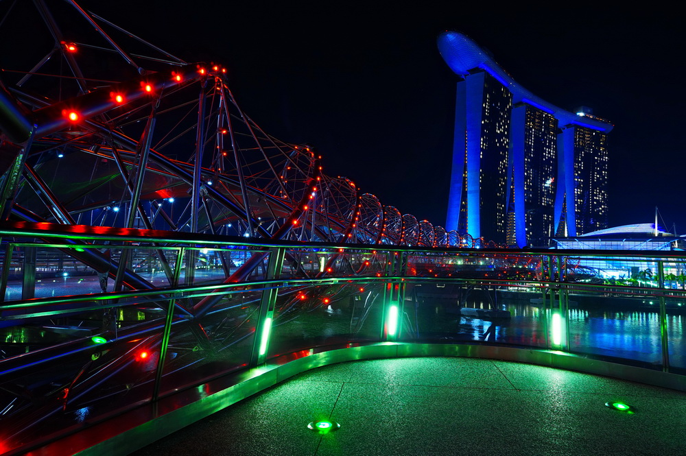 Нічний Сінгапур: Helix Bridge і Marina Bay Sands