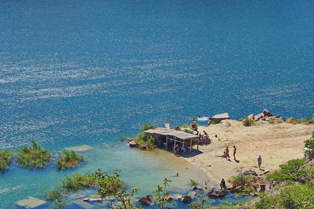 Озеро в Токівському гранітному кар'єрі